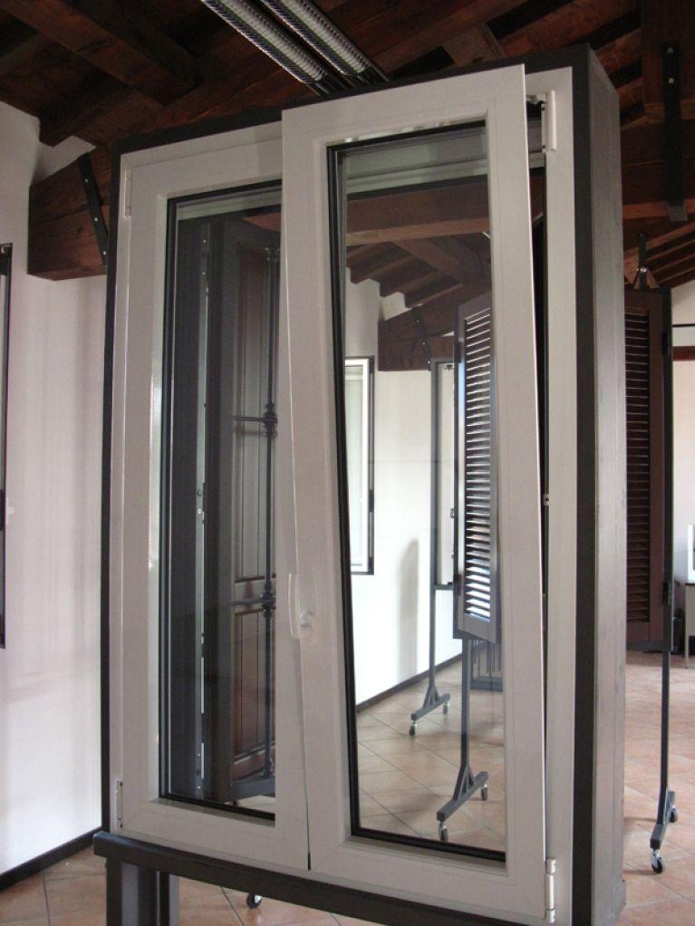 Produzione finestre in pvc